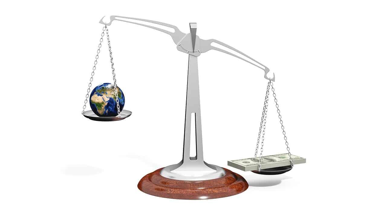 כסף וכדור העולם