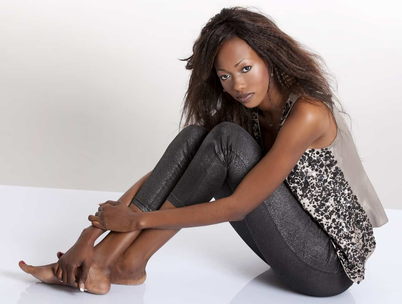 אישה שחורה